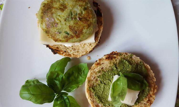 Veggieburger homemade con le verdure dell'orto